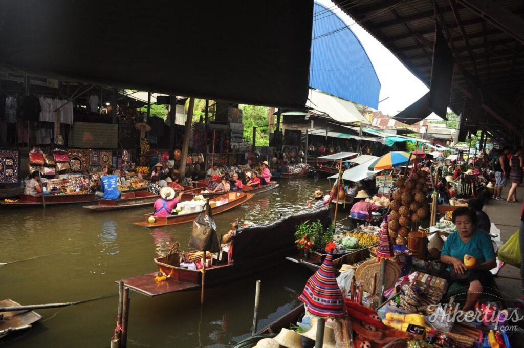 The floating market in Bangkok